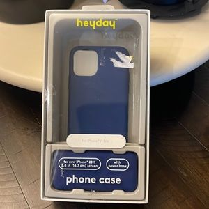heyday phone case with power bank. iPhone 11 Pro